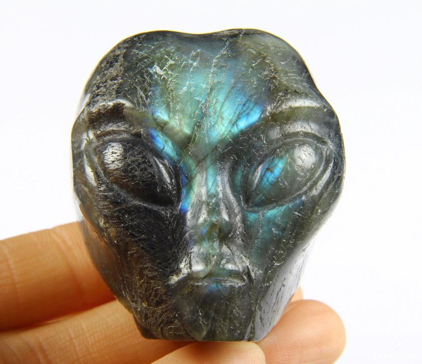 Labradorite Crystal Female Alien Skull